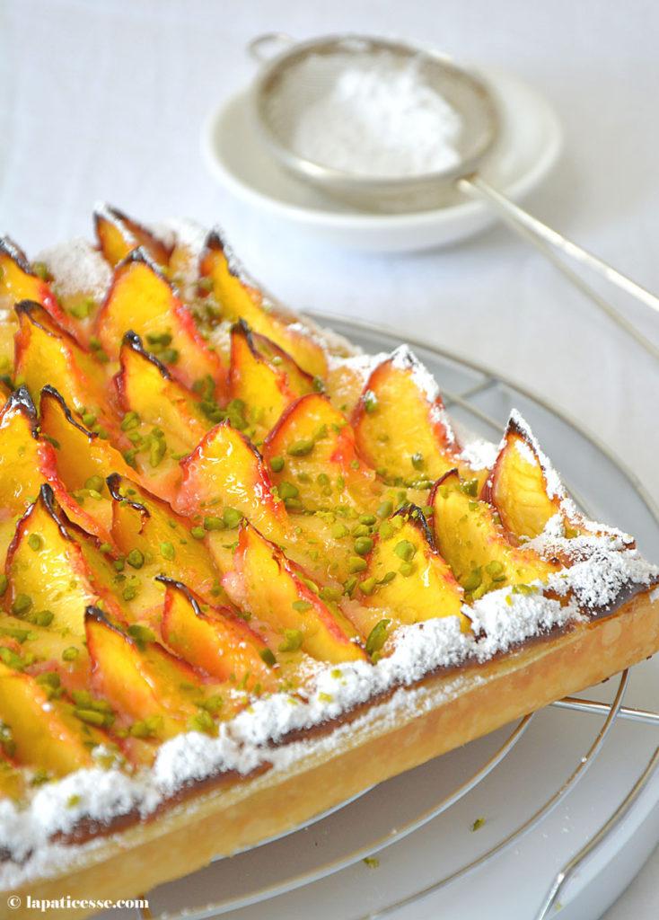 Pfirsich-Blätterteigtarte Rezept für Tarte feuilletée aux pêches