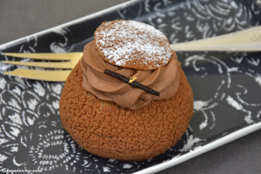 Choux tout chocolat Rezept Schokoladen-Windbeutel Blattgold
