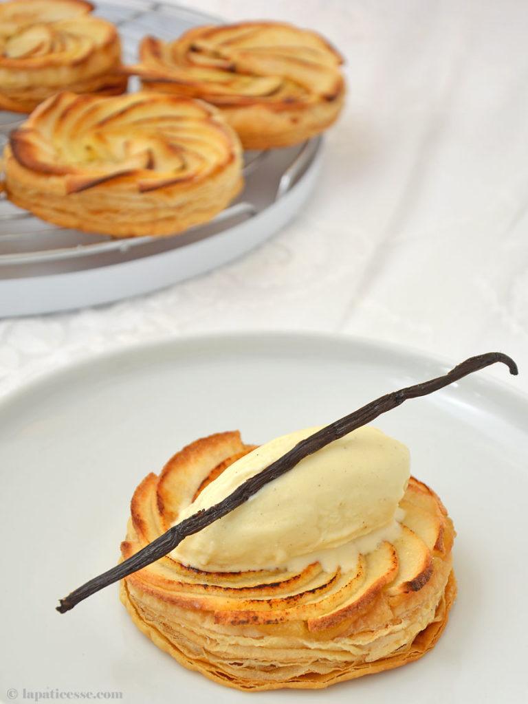 Tarte fine aux pommes Feine Apfeltarte Vanilleeis Rezept