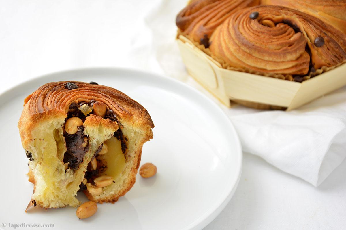 Brioche feuilletée au chocolat mit Erdnüssen und kandiertem Ingwer Rezept