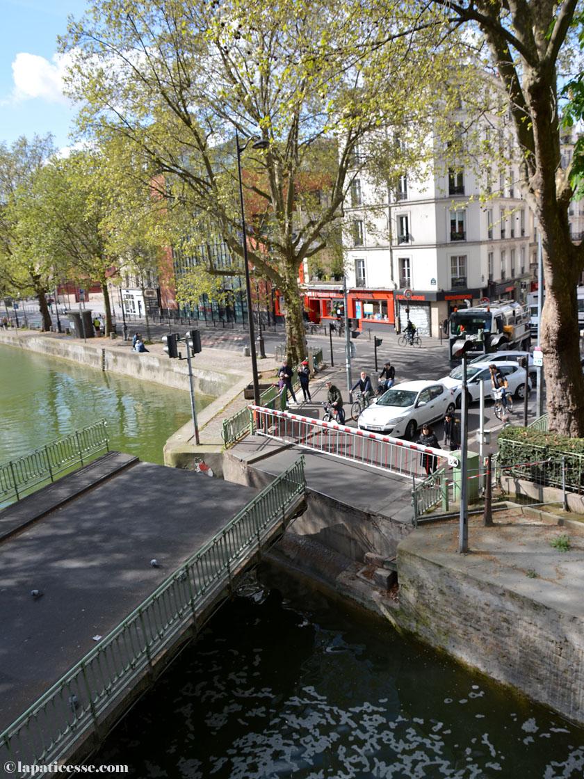 Die Pont tournage de la Grange aux Belles mit Drehbrücke und Schleuse.