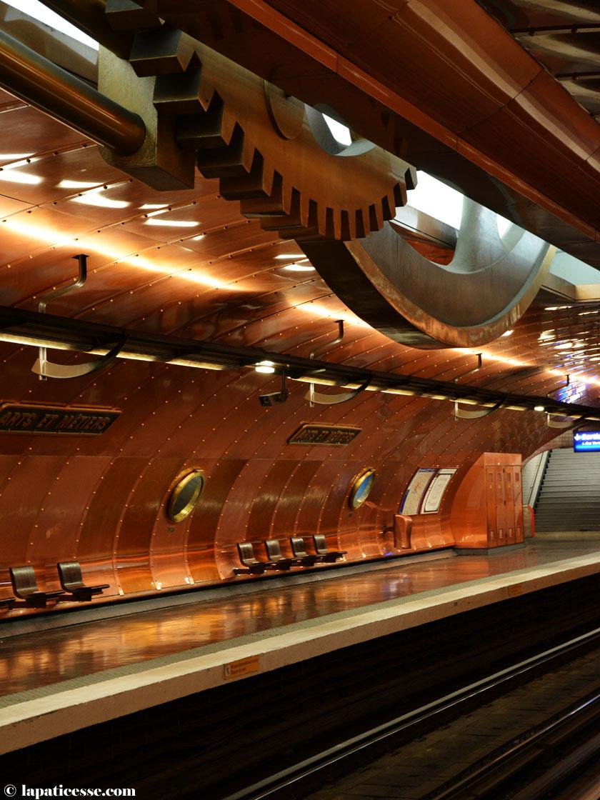 arts-et-metiers-metro-paris-kunst-und-wissenschaft