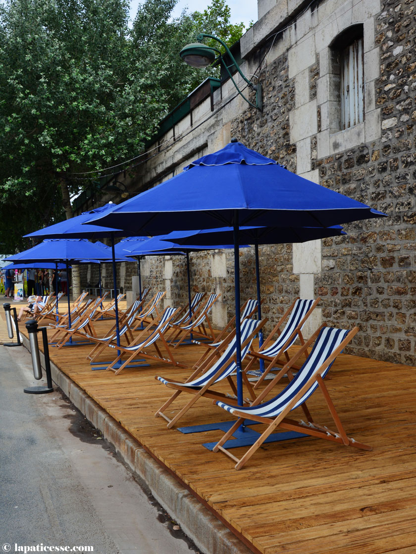 paris-plages-sandstrand-seine-ufer-sonnenschirme