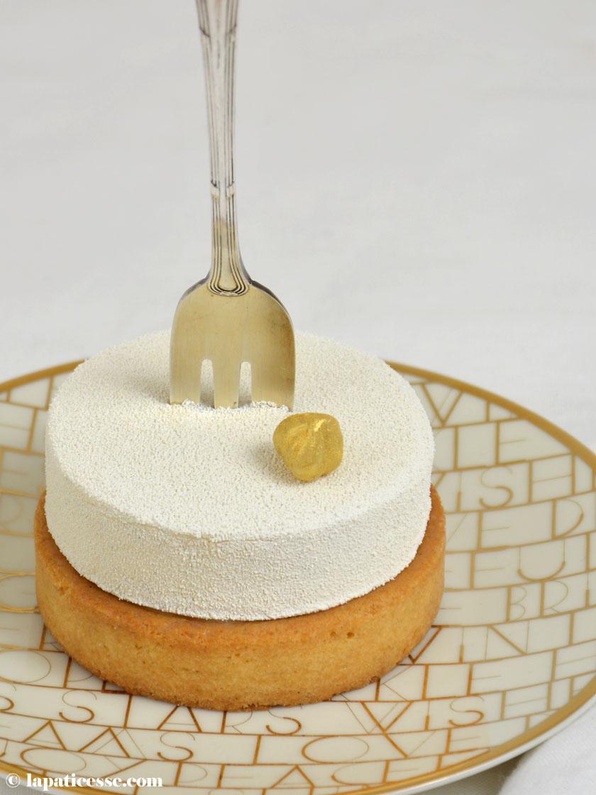 tarte-vanille-noisette-rezept-tartelettes-vanille-haselnuss-velvet- spray-weiss