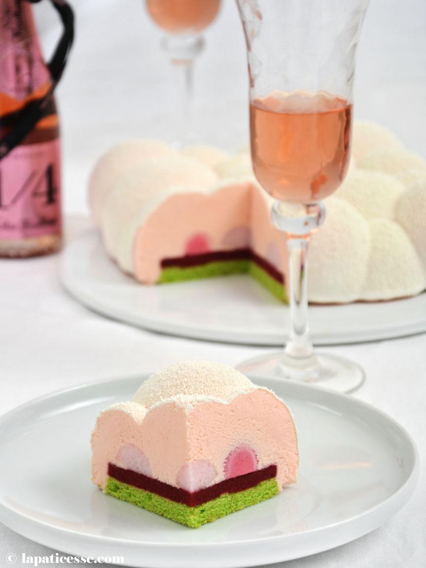 Entremets Nuage d'Ispahan Champagner-Torte Rezept Cloud Silikomart Himbeer Litschi Wolke von Ispahan Anschnitt 2