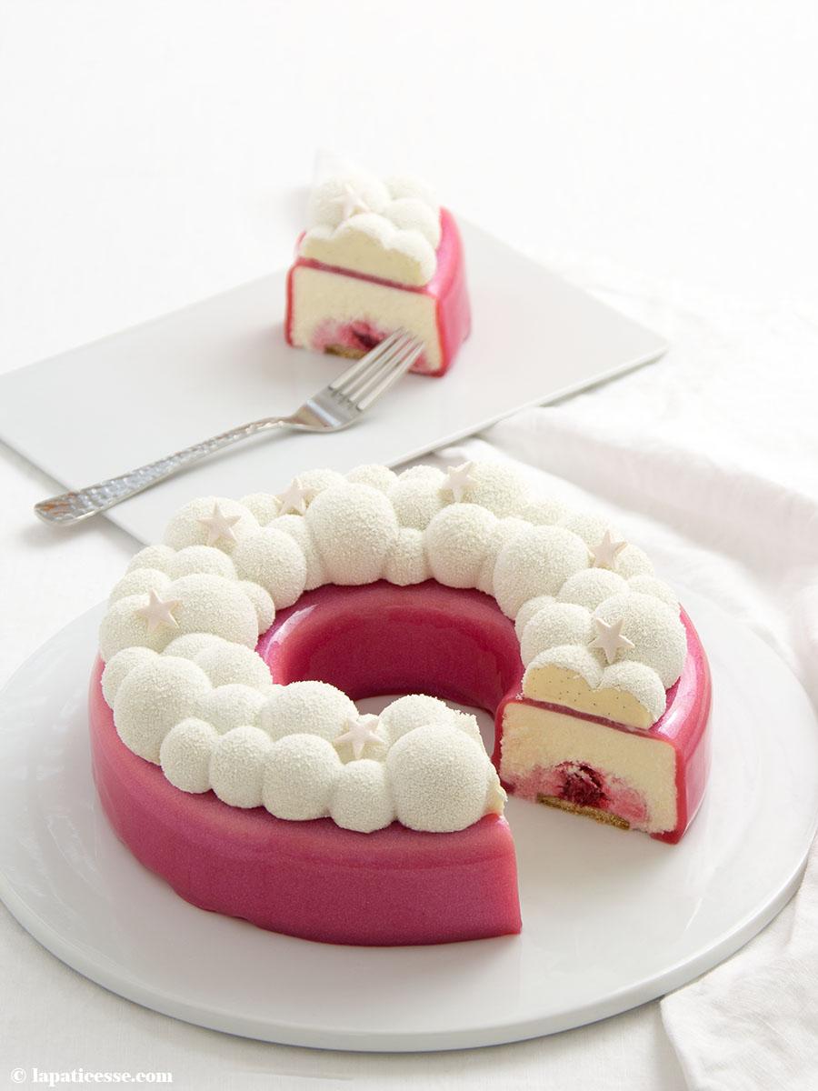 Himbeer-Kokos-Torte Rezept Glitzer-Glasur Kit Bubble Crown Anschnitt