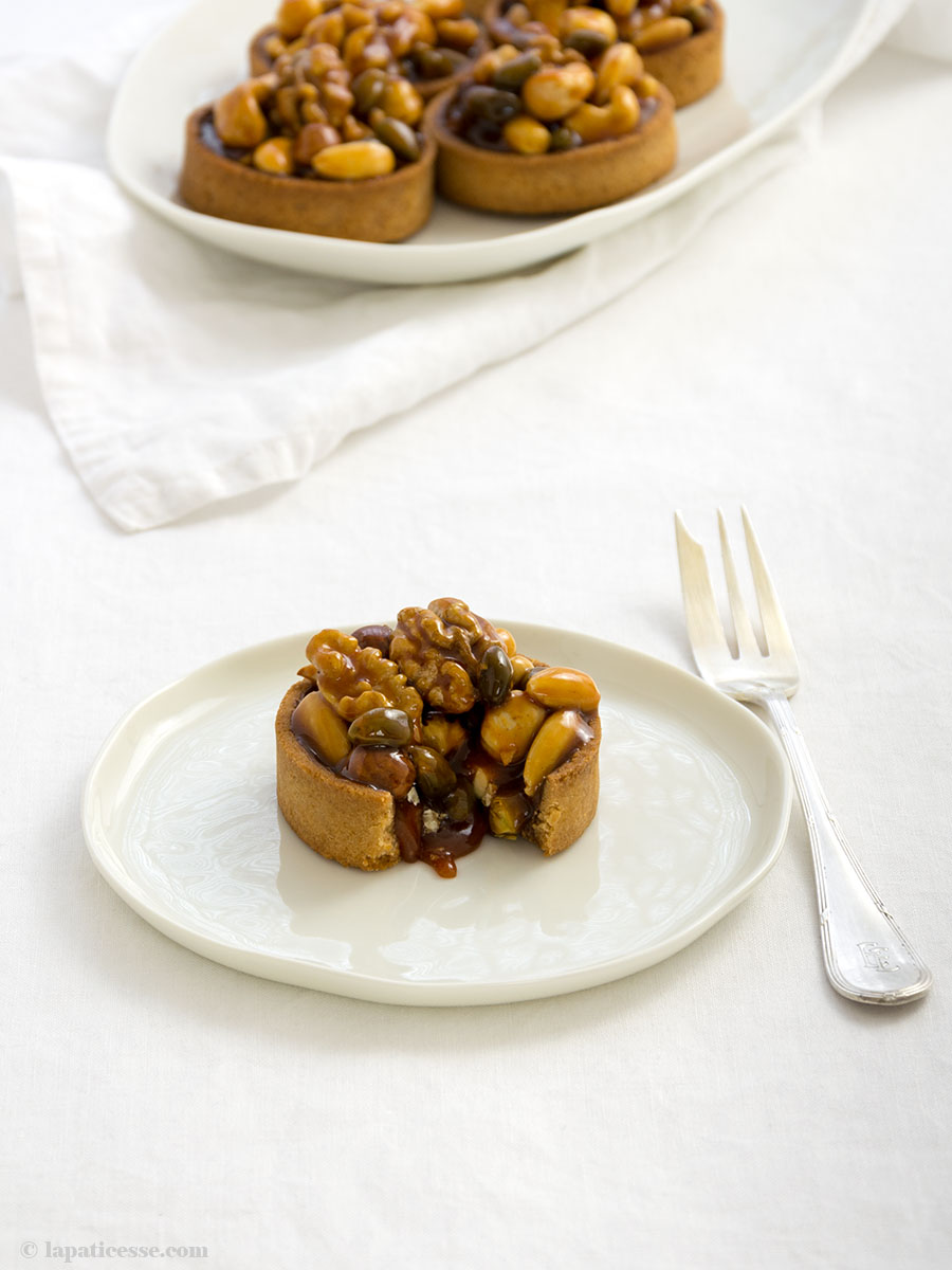 Nuss-Tartelettes Rezept mit Karamell Fruits Secs Salzbutterkaramell