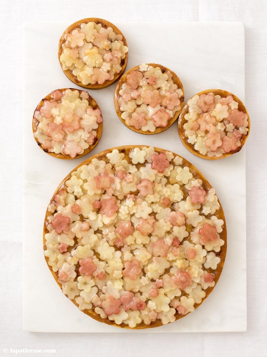 Apfel-Rhabarber-Tarte Rezept Tarte mille-fleurs Blümchen