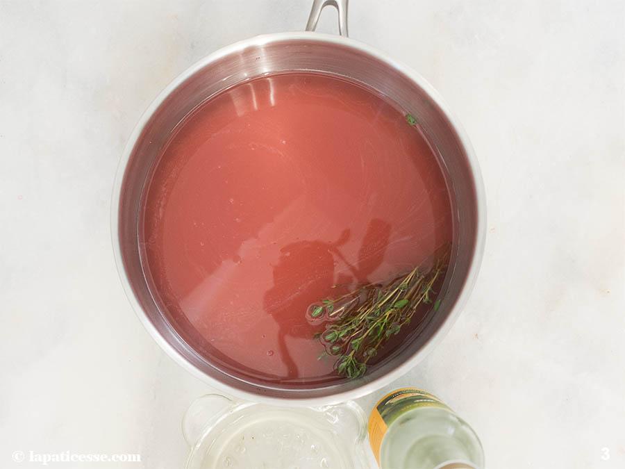 Weinlimonade Rezept Weinsirup Rose Pinot noir Rosenwasser Thymian Zubereitung