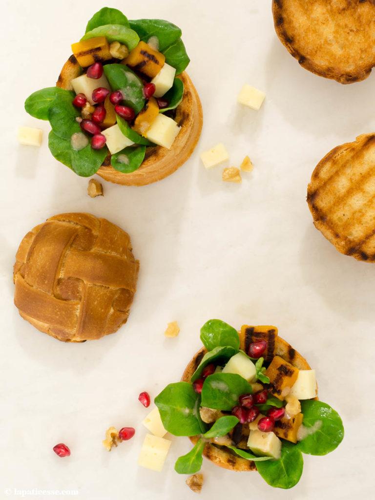 Herbstsalat Brotschüssel Hefeteig Rezept Feldsalat 1